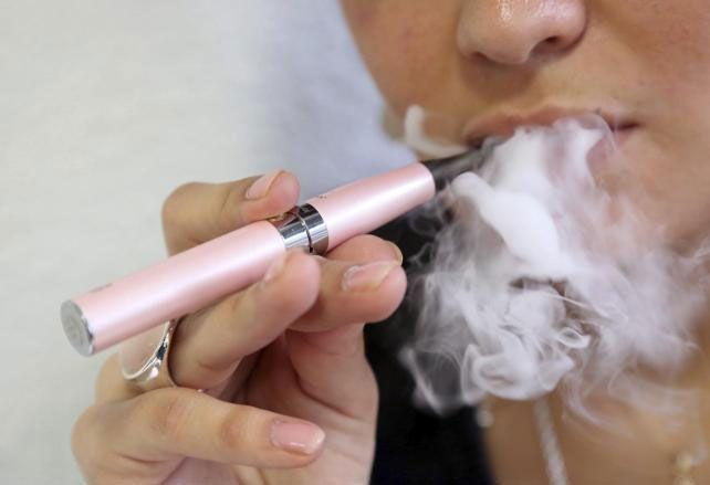 Los cigarrillos electrónicos incrementan el cuidado de las personas mayores.